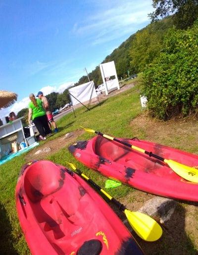 red_kayaks